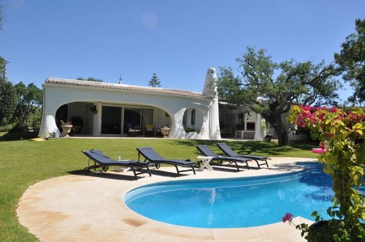 Charming Algarvian style villa - Almancil - Villa