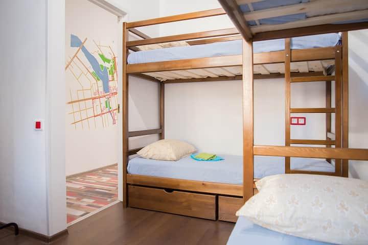 "Mix room/общая комната ""RedLine hostel"""