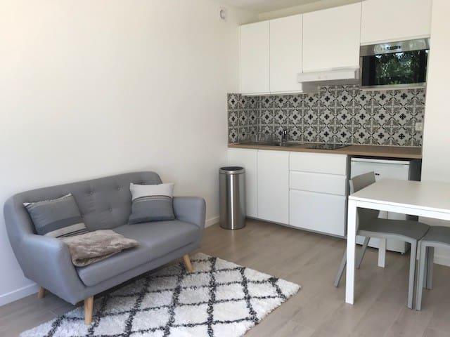 Beautiful Apartment, close to Paris