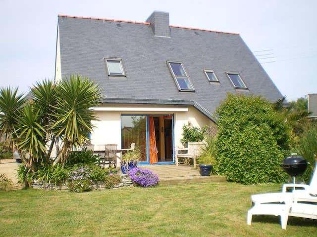 Maison  30m du GR34,  au calme. WIFI .A/D dimanche - Pleumeur-Bodou - Haus