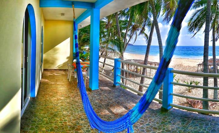 Departamento con terraza frente al Mar