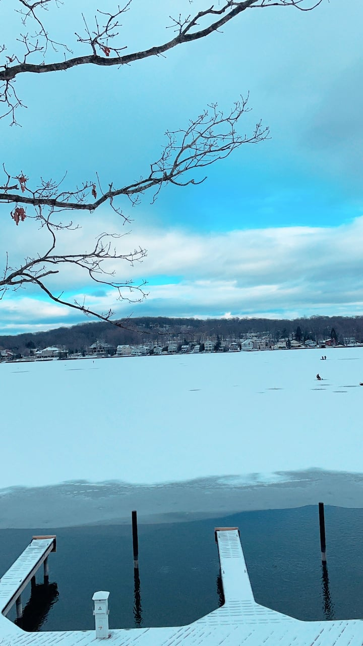 Lakefront Spring getaway