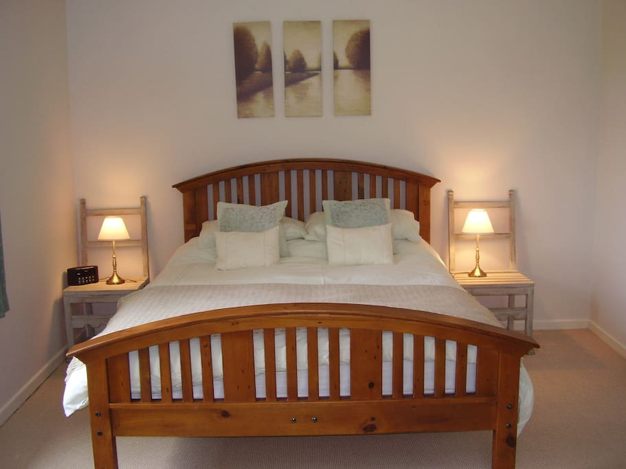 One Bedroom Apartment in Large Country House and Garden