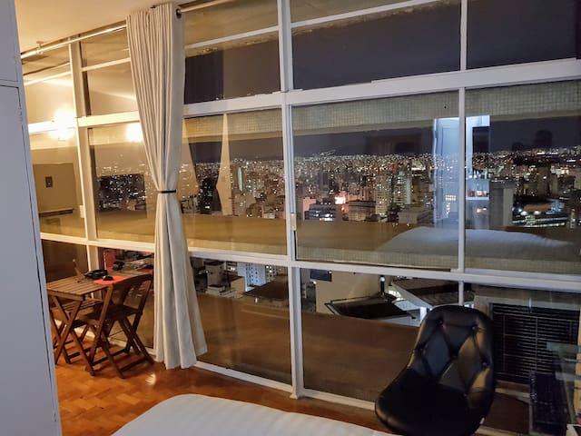ED COPAN-25th floor-View- Air-Netflix-QueenBED