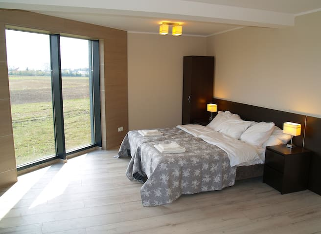 3 bedroom Delux with bathroom, fridge, tv, Wi-Fi