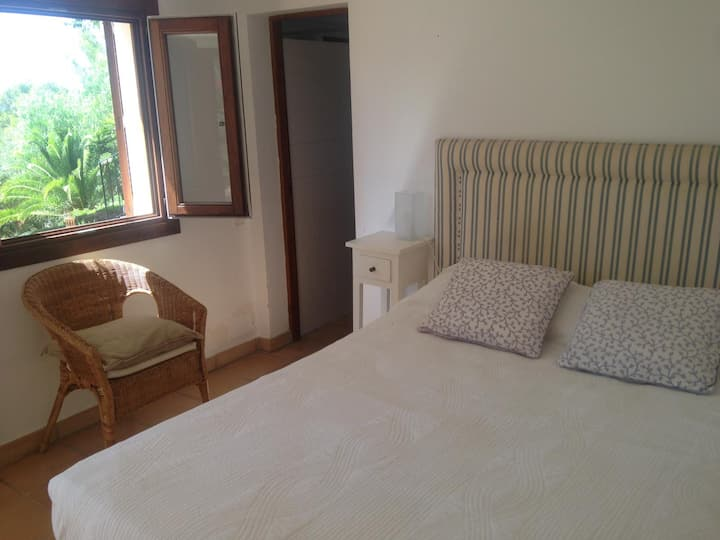 Lovely room with views in Puerto de Andratx