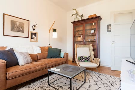 Bright and lovely 2-bedroom apartment!