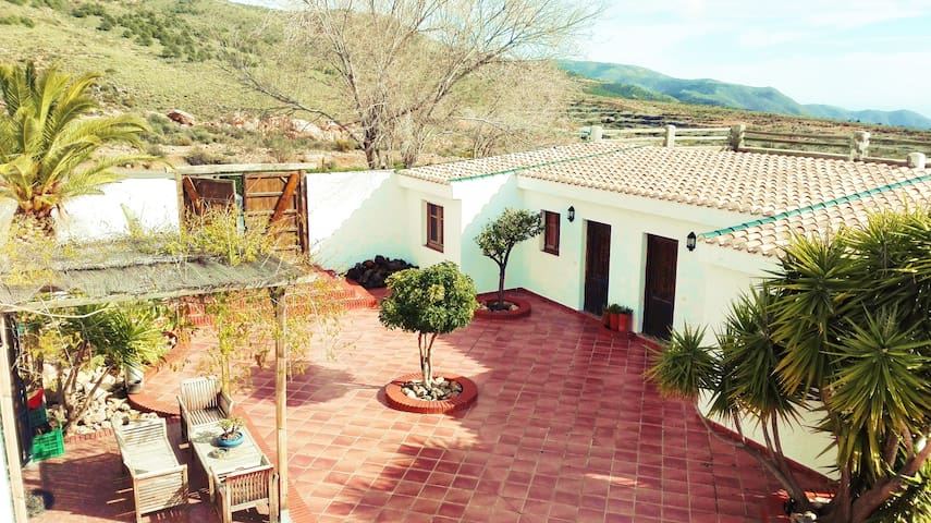 Romantic apartments in rural villa near Almería