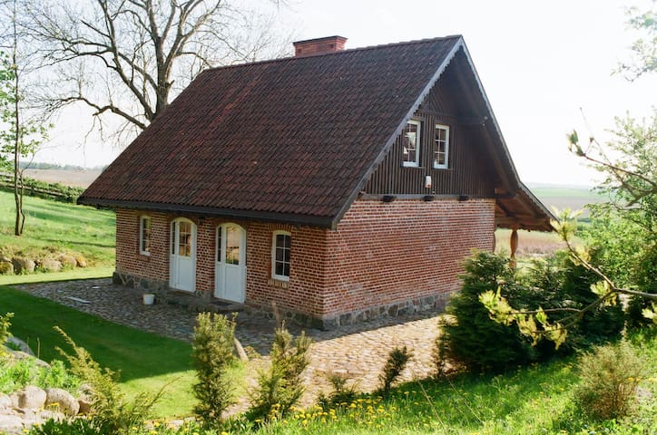 Poganty-Small cottage.
