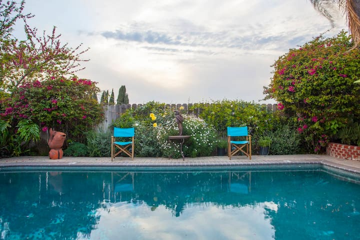 Unimpeded views of Fryman Canyon from Pool