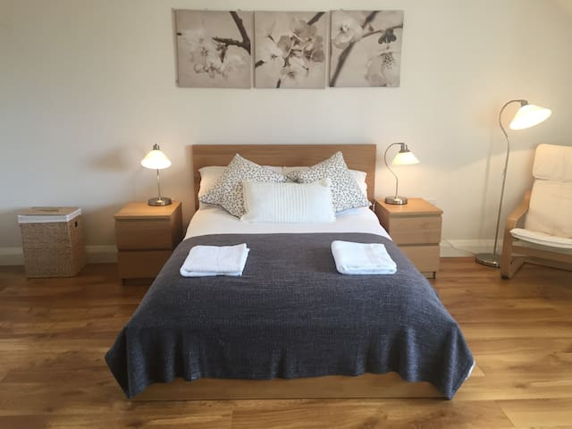 Dingle town centre master bedroom with en suite