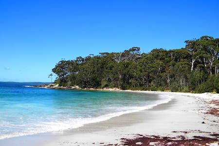 We are OPEN 4 bed Home nr Hyams  Beach@ Jervis BAY