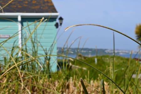 Cornish Beach Chalet with sea views - Chalet