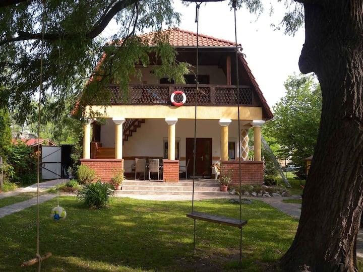 apt for 6 persons in Balatonmáriafürdő R82050
