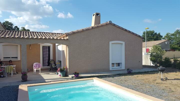 Villa climatisée avec piscine privée