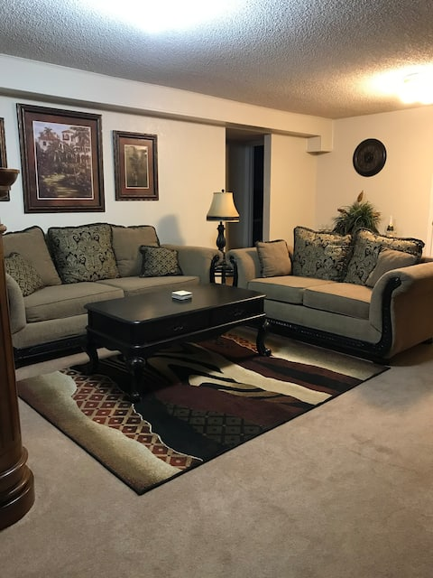 A Must See! Centrally Located/Relaxing/Comfortable
