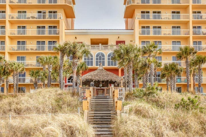 Calypso 1903 Beach Front Condo - 1BR/2BA w/ Bunks