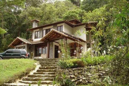 Casa na Serra Teresópolis-RJ /Condomíno LE REFUGE