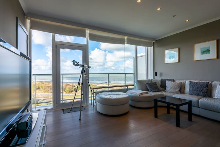 Panoramic & Modern apartment with sea view