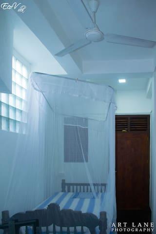 Single Room in Eco Villa-Sinharaja