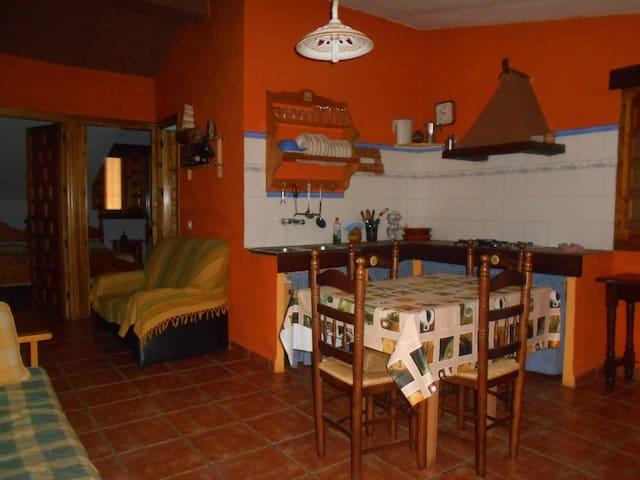 Alojamiento Rural La Pendolera. CASA LA VELETA