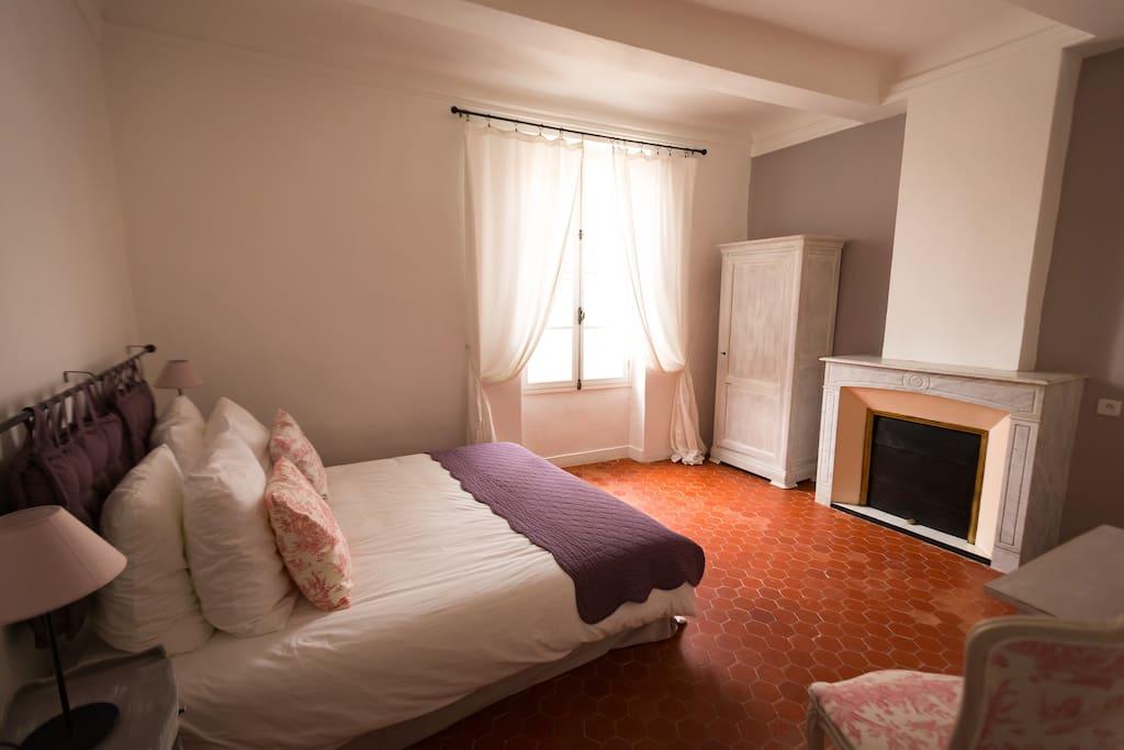 les chambres de charlotte chambres d 39 h tes louer cucuron provence alpes c te d 39 azur france. Black Bedroom Furniture Sets. Home Design Ideas