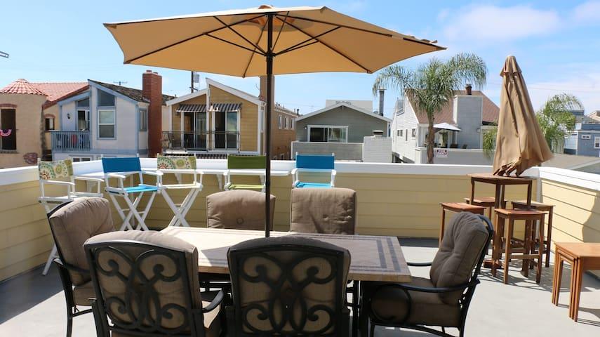 Cool Beach Rental - Garage Space for 2 Cars! - 紐波特比奇 - 獨棟