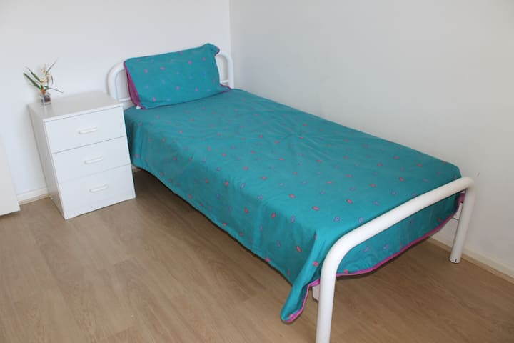 Nice, comfortable room - Myrtle Bank - Flat