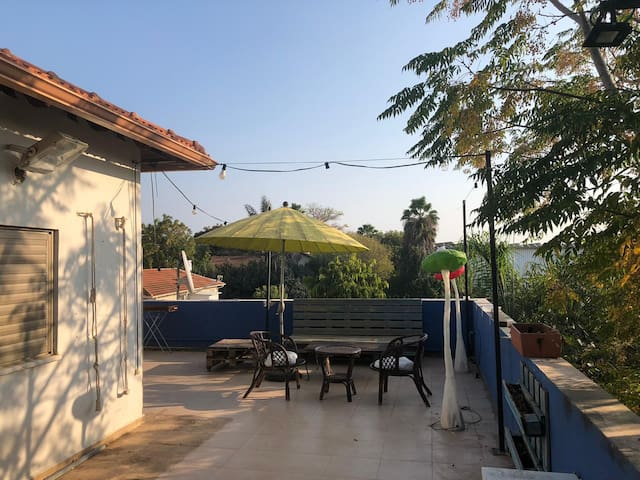 countryside private appartment, 15 min from beach