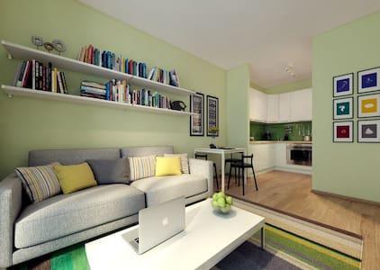 Новая 2-ух комнатная квартира рядом с метро - Sankt-Peterburg