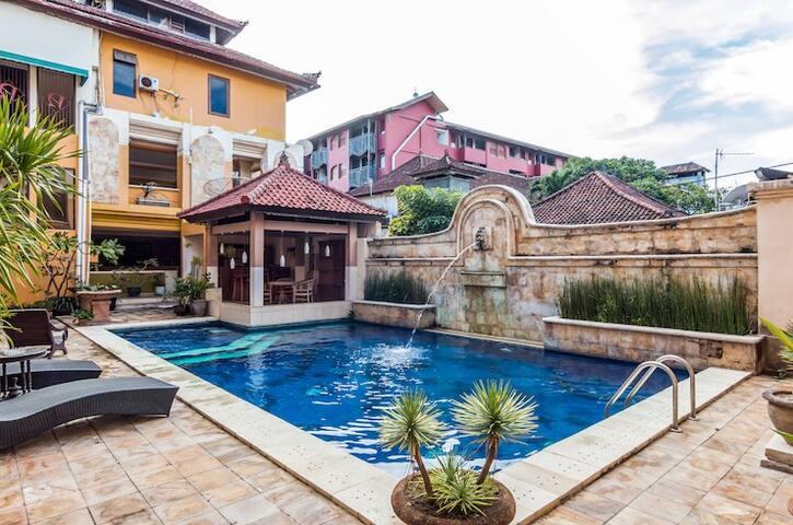 Nathan Hotel managed by Tinggal - Sul de Kuta - Pousada