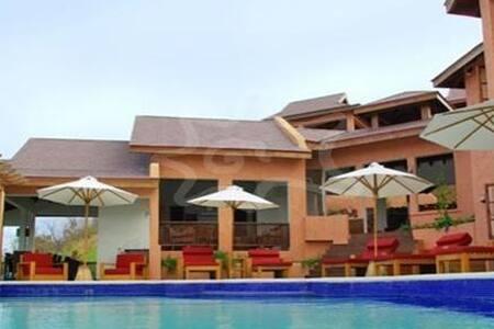 Poolhouse Villa - Lance aux Epines - Villa
