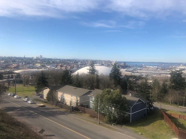BRAND NEW Steps to Tacoma Dome~Bay & City VIEWS!
