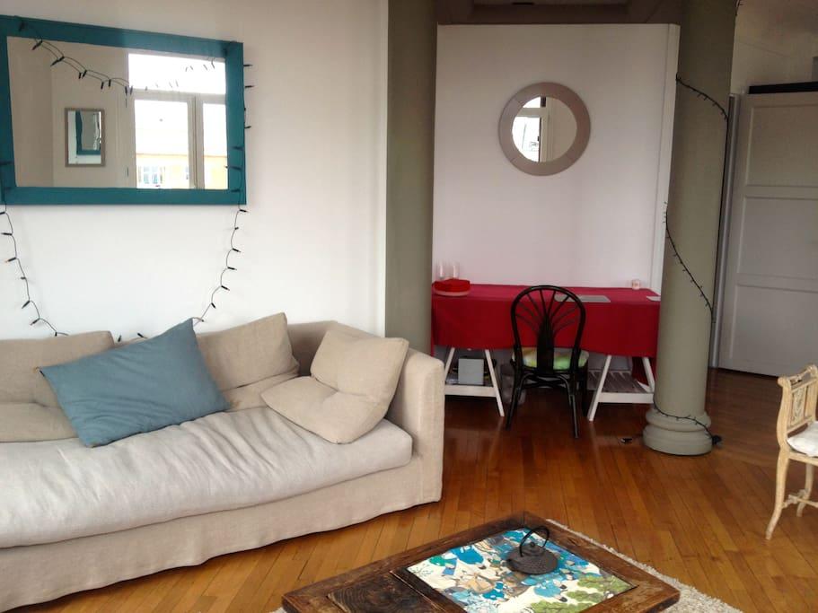Superbe appartement avec vue sacr coeur 6ie asc for Location appartement avec chambre sans fenetre