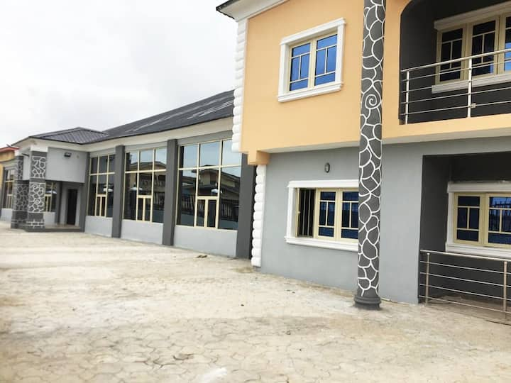 Luxury Short Let 1 Bed Apartment, Abule Egba