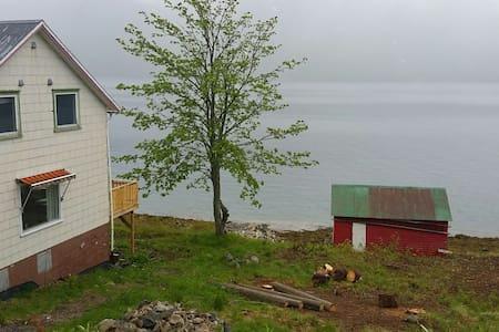 Hus i vakre Sigerfjord - Sortland - 獨棟