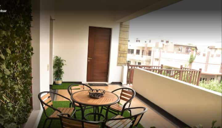 Balcony Room in Eta Homestay
