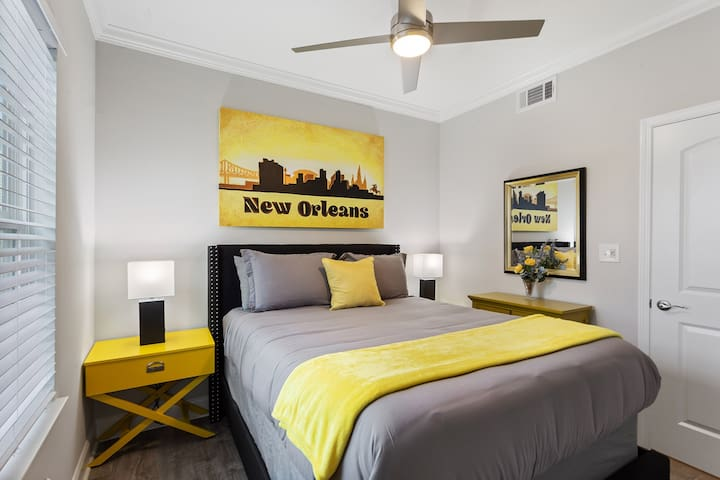 """Guest bedroom #1 or """"NOLA ROOM"""" with a 43"""" smart TV (netflix included) plush mattress and soft linens!"""