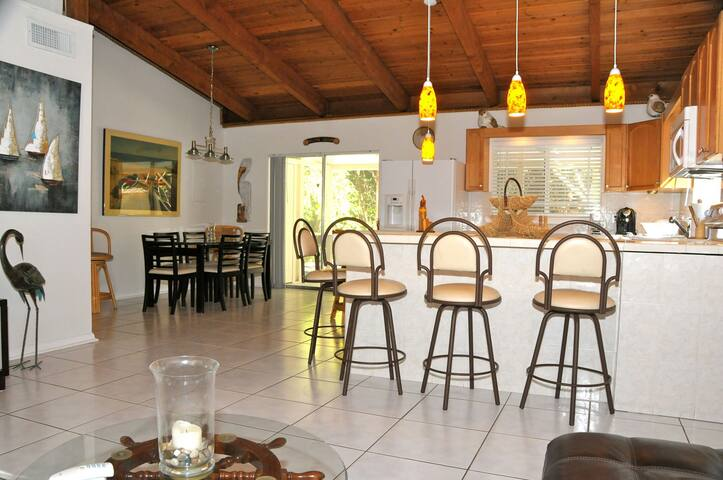 2 Bedroom Florida Keys Entire Home - Tavernier - Huis