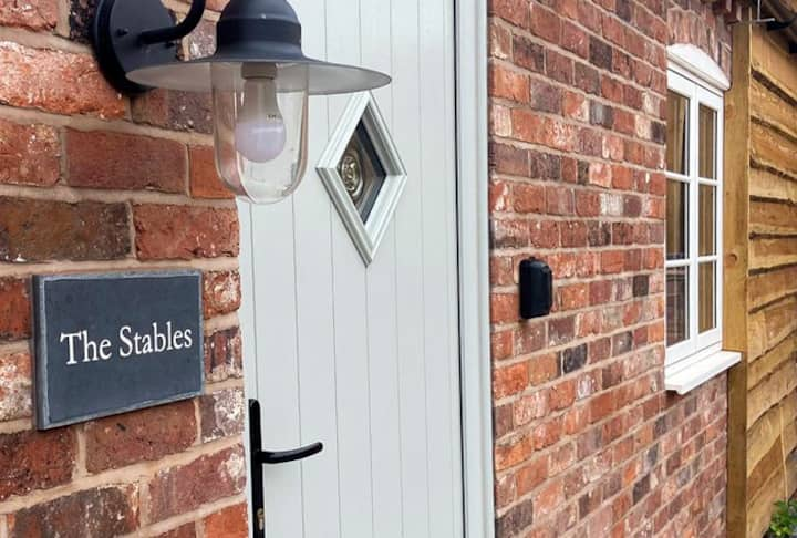 The Stables • Boutique Farmstay+Hottub+Woodburner