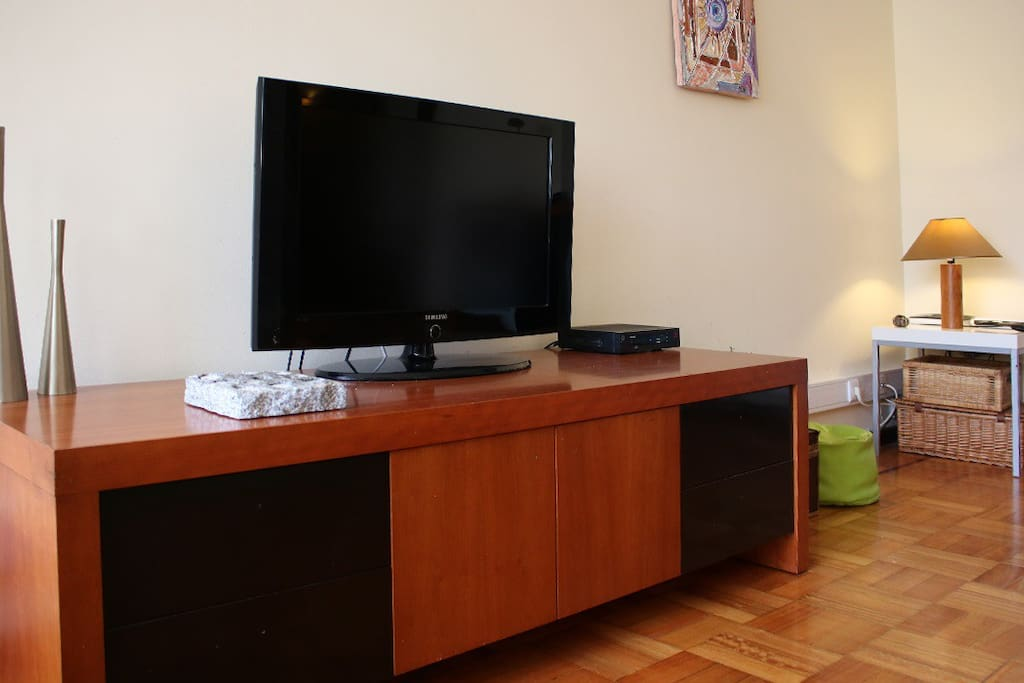 Living room whith cableTV/ sala com TV cabo