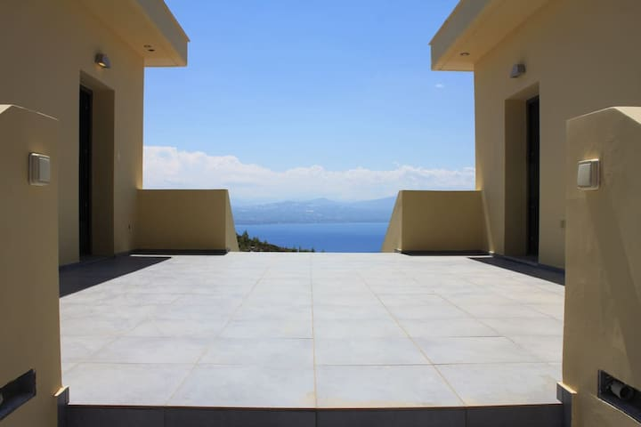 Dream Villa Anna Loutraki Super Sea view 300sqm - Loutraki - Casa de campo