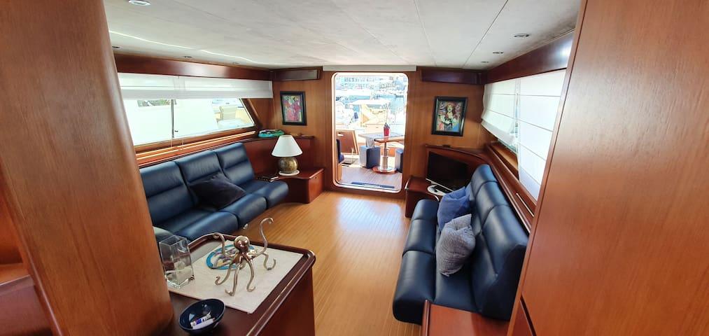 Lussuoso Yacht ampio e confortevole