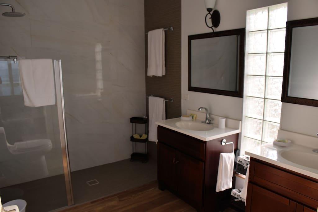Swedish-style master bath