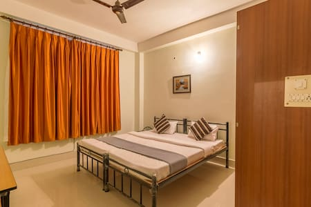 Tusti Homestay - Two bedroom bungalow with kitchen - Bed & Breakfast