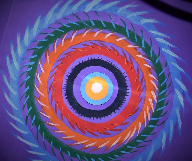 na cabana de copacabana sobra cores e arte
