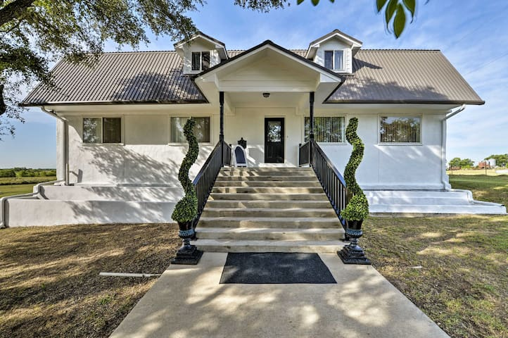 NEW! Countryside Temple Home 10 Min from Downtown!