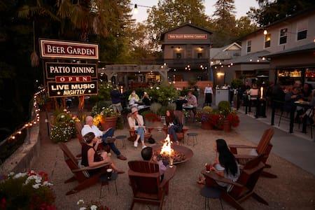 New Listing! Charming Inn, Restaurant & Brewery
