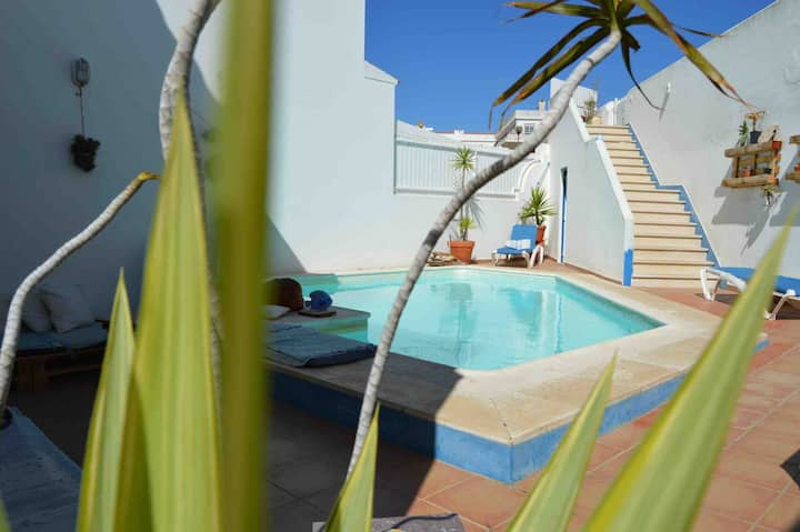 Vila with Pool and Ocean view 1