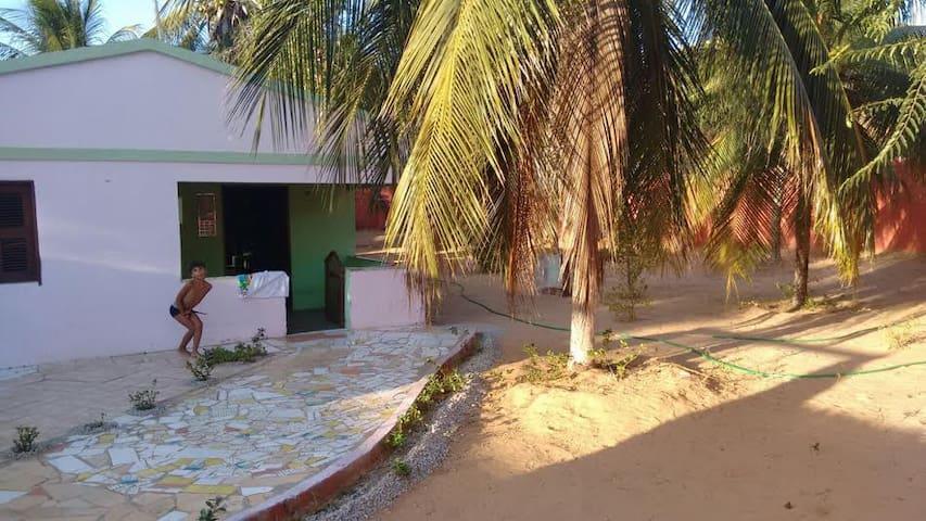 Paraíso na praia da Redonda / Ceará-Terreno 800m2.